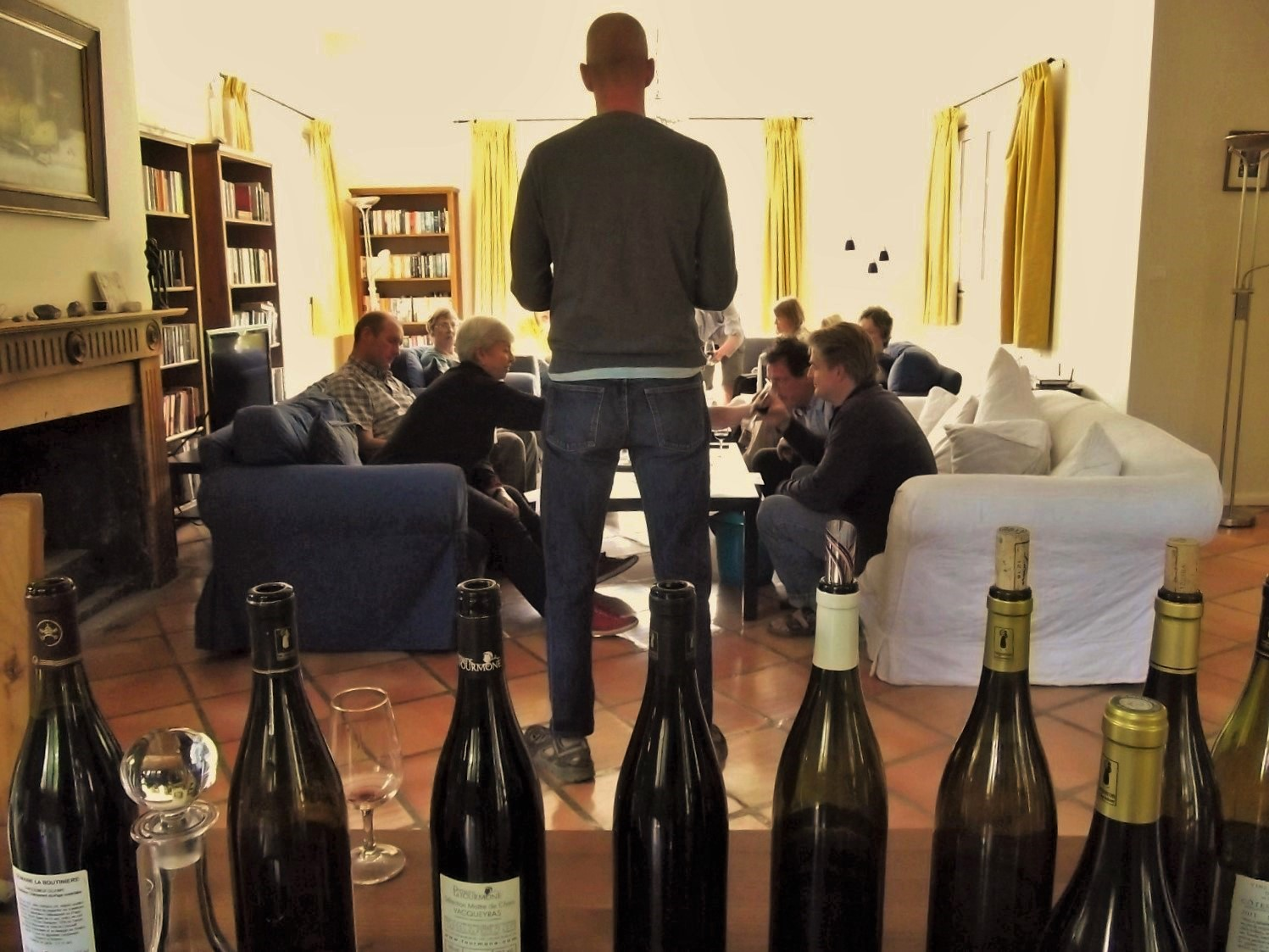 We come to you with some of the best wines of the Rhône Valley